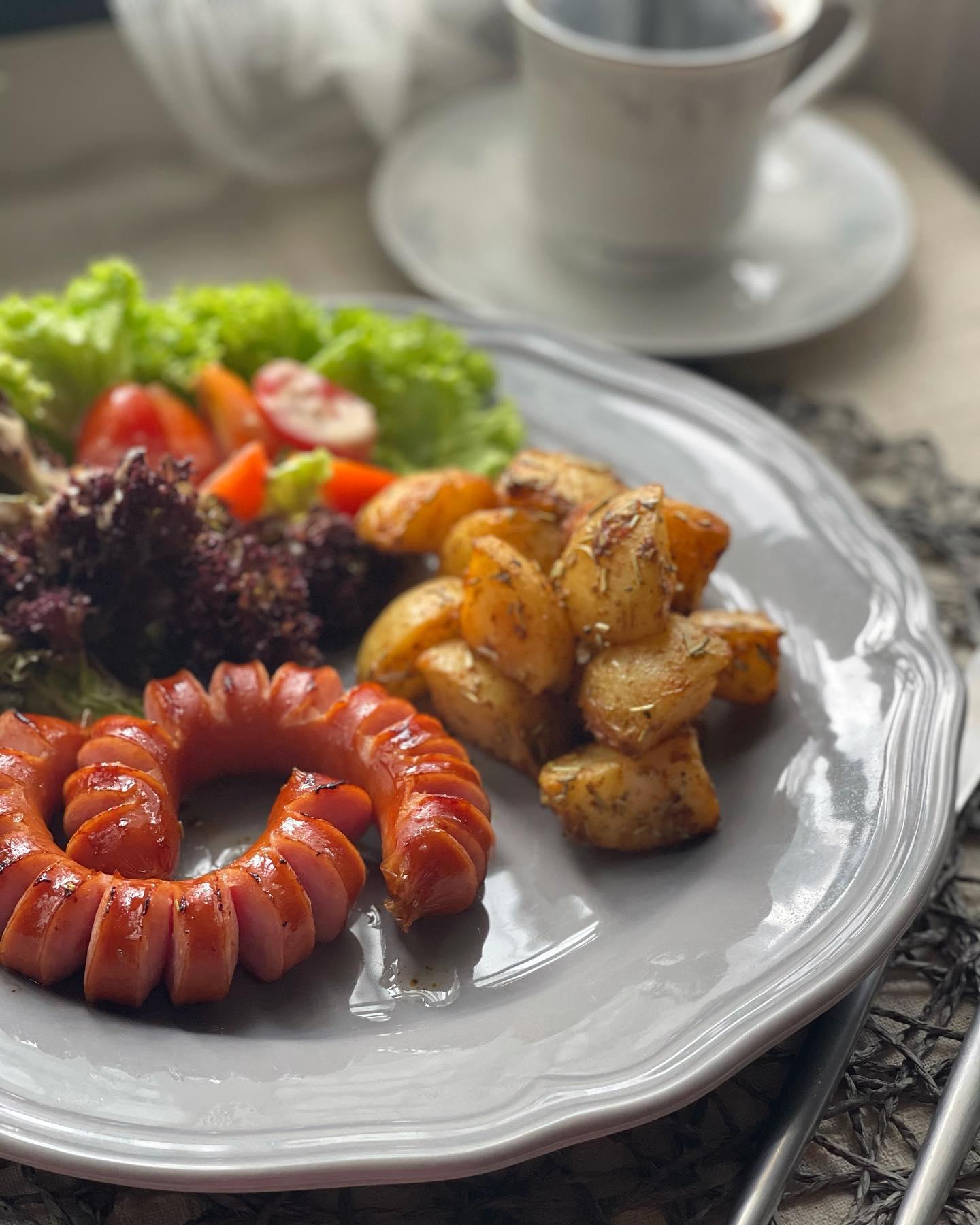 Smoky Sausage, Roasted Truffle Potatoes and Side Salad - House of Hazelknots