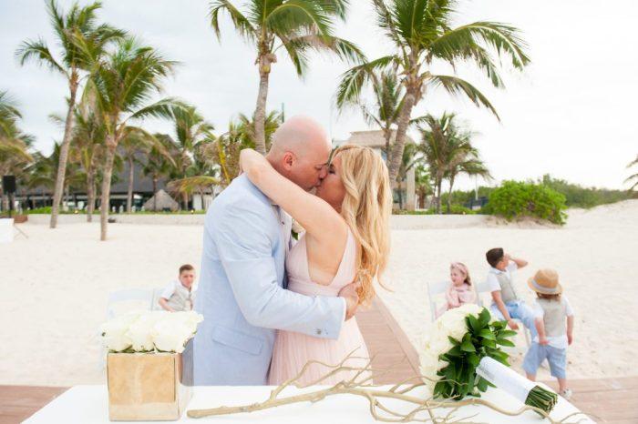 Vow Renewal | Huellas del Caribe Photography | Hard Rock Hotel Weddings | Punta Cana Weddings | Destination Weddings