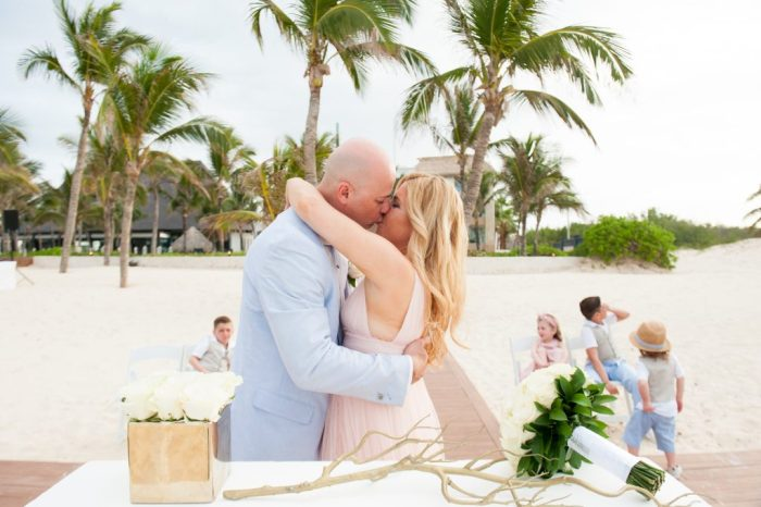 Vow Renewal | Huellas del Caribe Photography | Hard Rock Hotel Weddings | Punta Cana Weddings | Destination Weddings