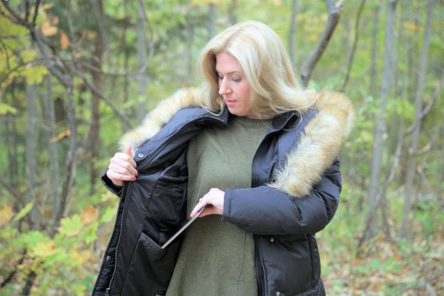 Review of the Smart Parka 1.0 by North Aware | Canadian Designed Outerwear | Best Coats for Winter Canada 2018-2019 | Women's Vogue 1.0 Coat by North Aware