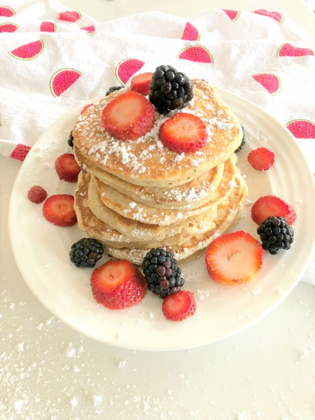 Lactose-free Protein Pancakes | Mayahood Blog Recipe | Mom Approved Brunch Recipes