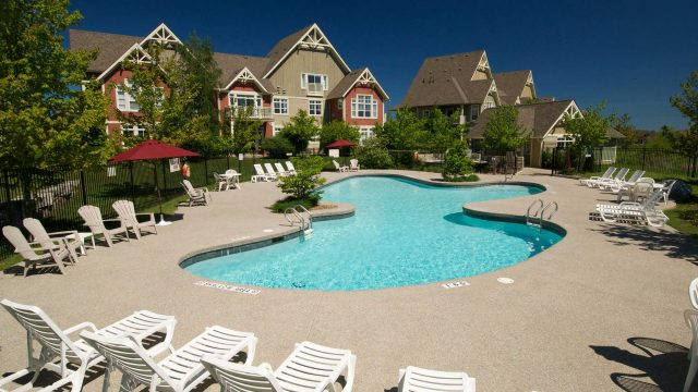 Rivergrass Resort Homes Blue Mountain | Pool and Spa view
