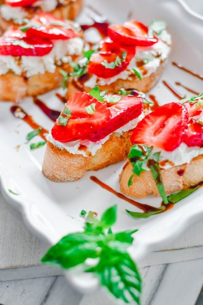 Strawberry Bruschetta Recipes Two Ways | HouseofKerrs.com | No Cook Appetizers