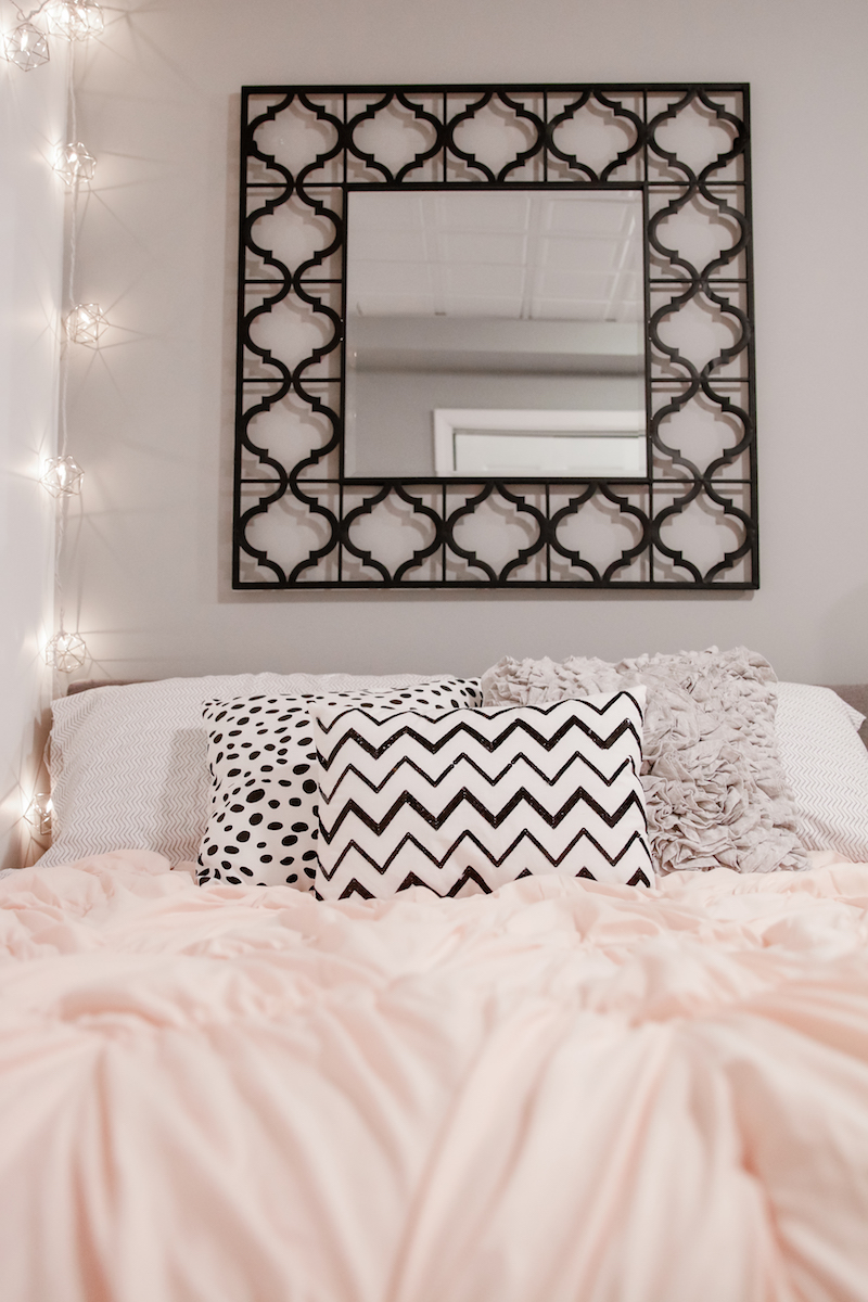 Decorating For A Teen Girl on Small Bedroom Ideas For Teenage Girl  id=85253