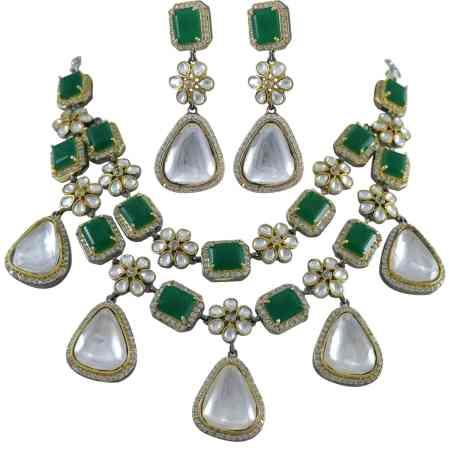 ANTIQUE POLKI WITH EMERALD