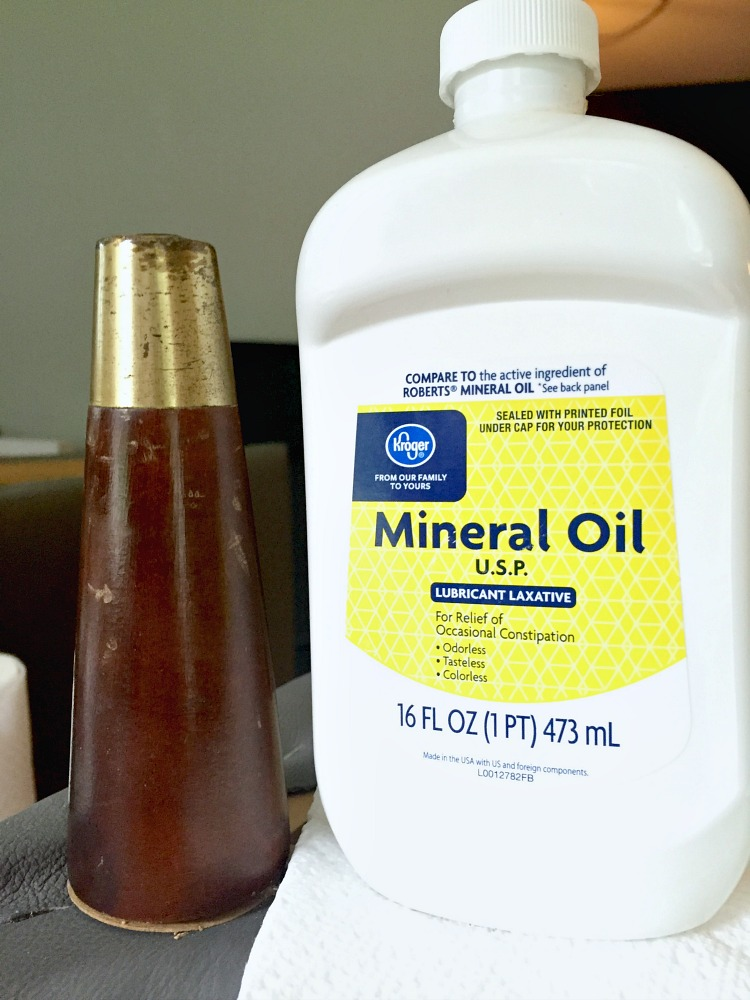 Use Mineral Oil to Repair Scratches in Wood