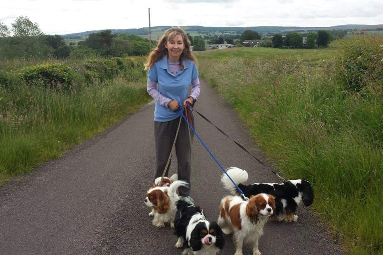 House Sitter Jacqueline walking the dogs