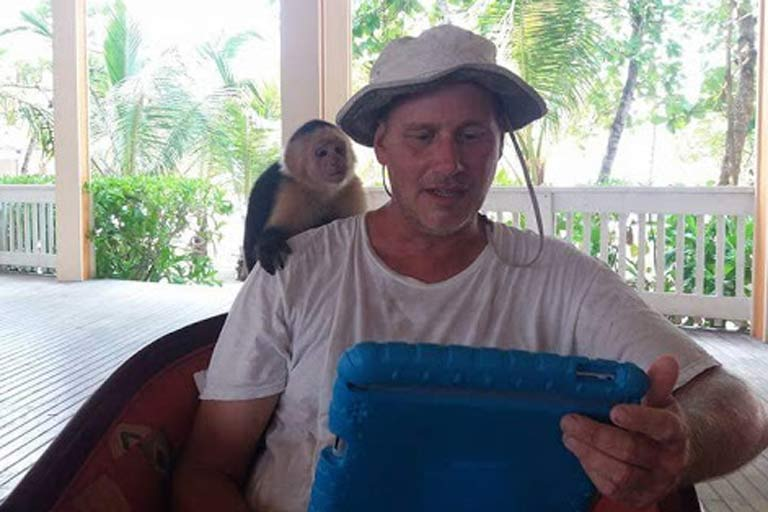 living the nomadic lifestyle - wih a monkey