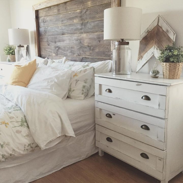 Wooden slats are used for both headboards and matching dressers for that unique look and feel that. 11 rustic bedroom decorating ideas