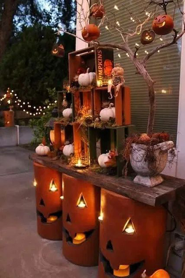 Start with this list, which has all the witches, ghosts, and pumpkins you'll need! beautiful-diy-outdoor-halloween-decor-with-crates