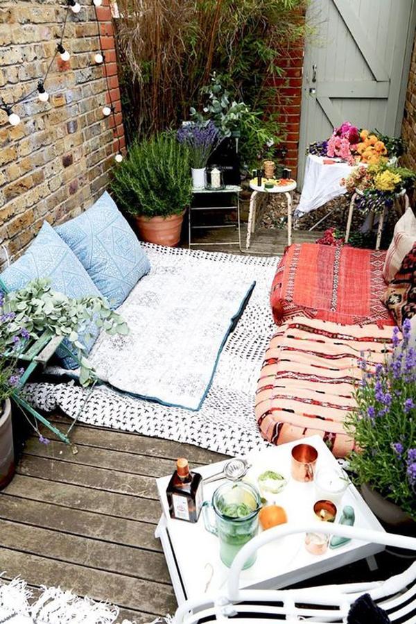 small-backyard-reading-nook-ideas on Backyard Nook Ideas id=81970