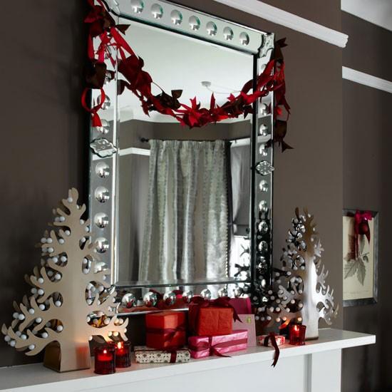 Decorate a mirror | Christmas mantelpiece ideas | Christmas decorating ideas | Christmas | PHOTO GALLERY | Homes & Gardens | Housetohome