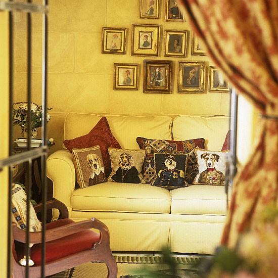 Snug Living Room Living Room Furniture Decorating Ideas