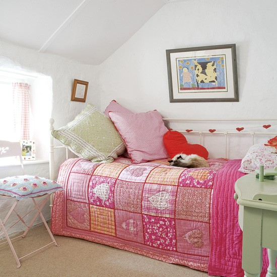 Pink and green girl's bedroom | Bedrooms | Design ideas ... on Small Bedroom Ideas For Women  id=62363