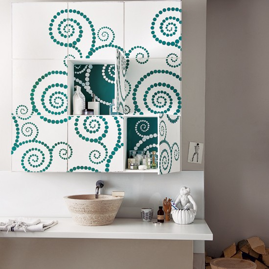 Stencilled storage | Bathroom finishing touches | Bathroom accessories | PHOTO GALLERY | Housetohome