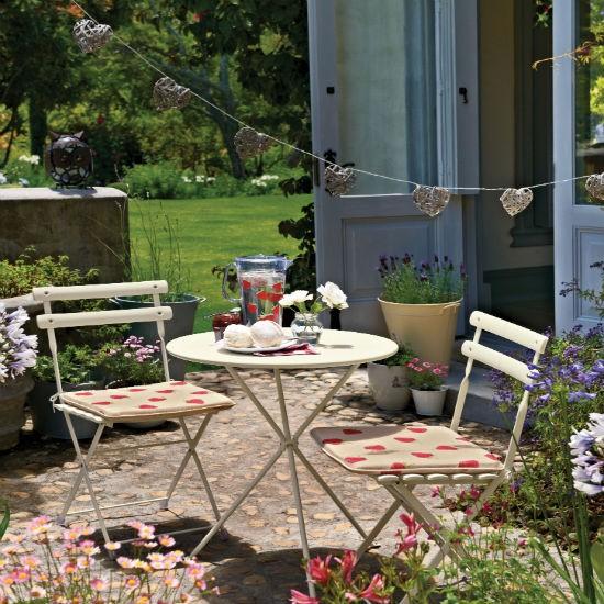 Colourful courtyard patio | Patio ideas | housetohome.co.uk on Courtyard Patio Ideas id=49715