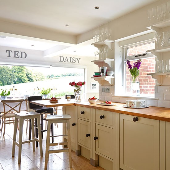 Country Kitchen Designs Uk