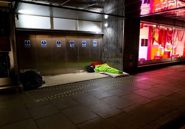 homeless-5758904_1280