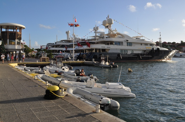Luxury Yachts Make Waves In St Barts As High Rollers Ring