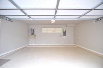 5743kansas-garage