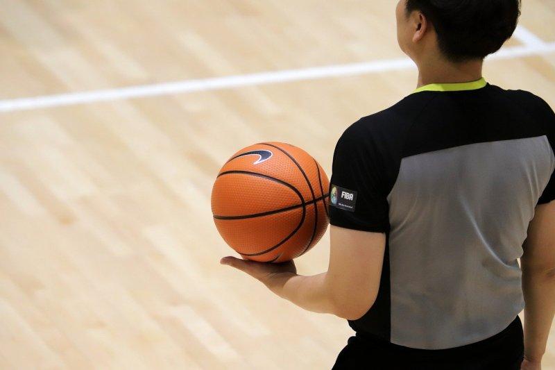Top 10 Fantastic Looking Basket ball Uniforms of Famous NBA Teams