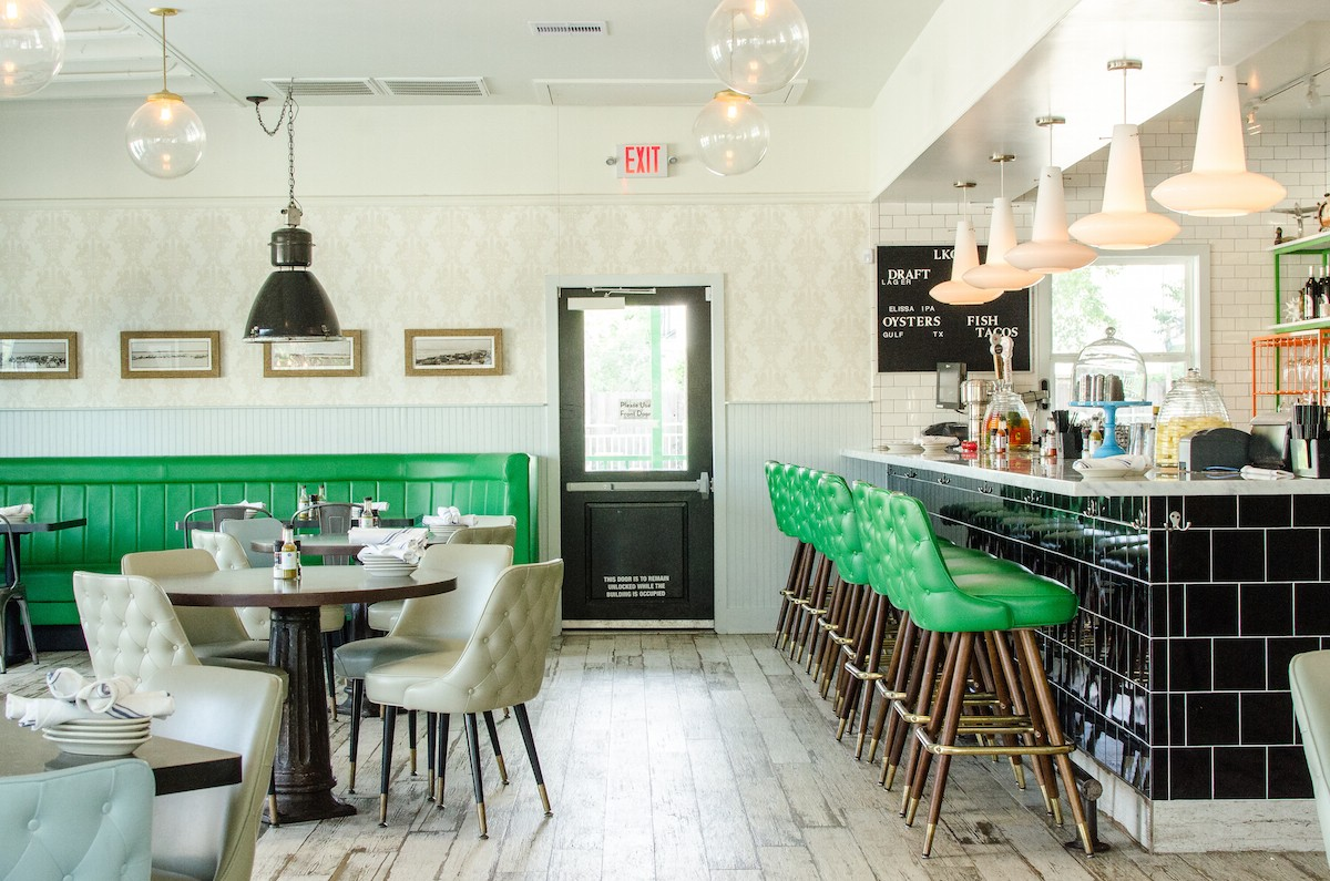 Liberty Kitchen Garden Oaks Features A Rustic Chic Decor And Friendly Bar Service Photo By Pop Ratio