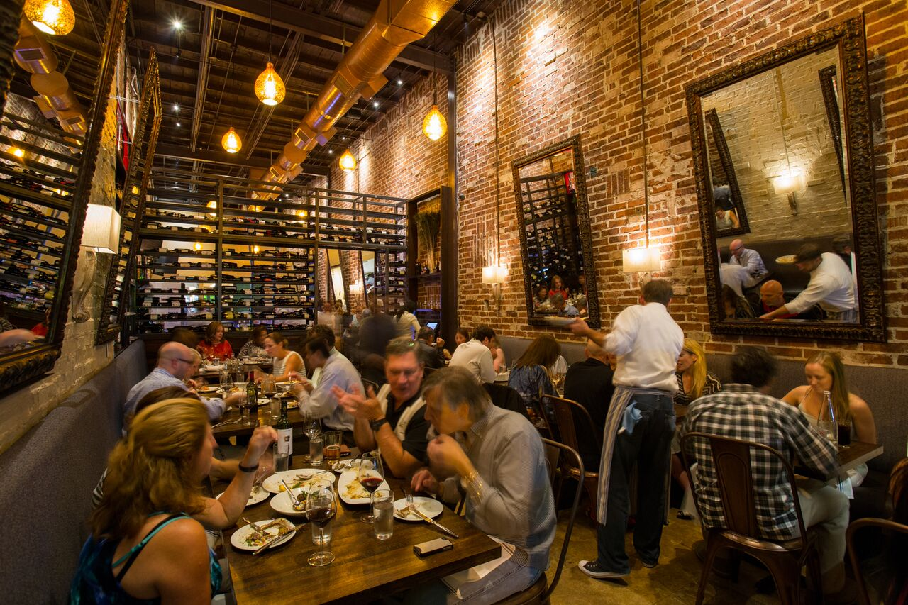Picture of the interior of Helen Greek Food and Wine in the Rice vilalge