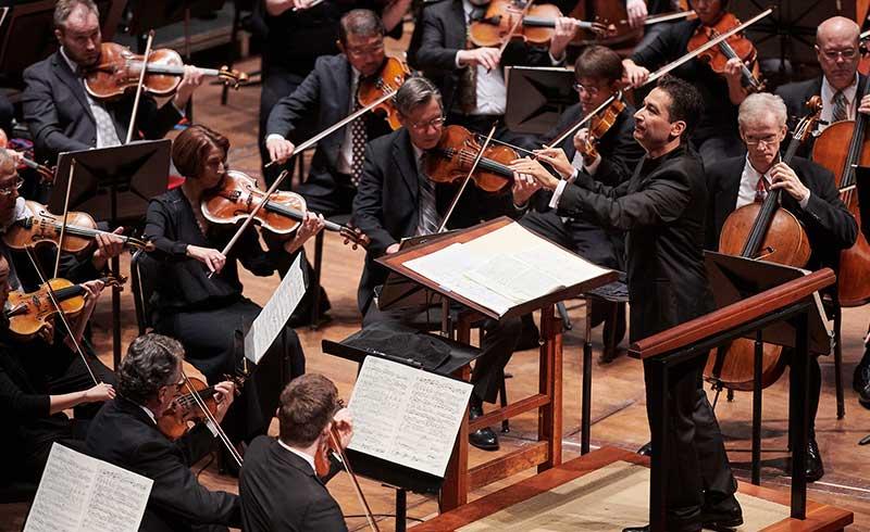 Music Director Andrés Orozco-Estrada conducts Mahler's