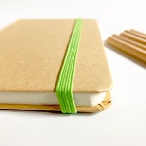 het elke dagboekje heeft een handig elastiek