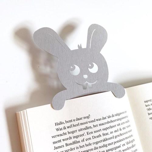 grijs konijntje boekenlegger laat jou vrolijk weten waar je bent