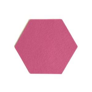 knallend roze blikvanger op tafel met deze handgemaakte onderzetters