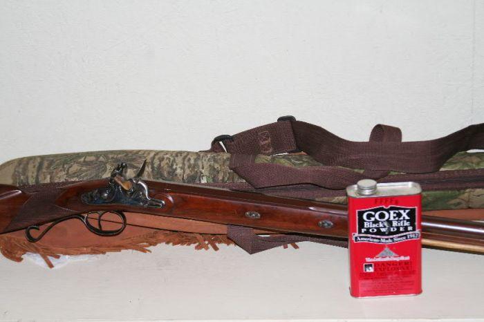 Davide Pedersoli Mortimer 12-gauge shotgun with can of FFFFg priming powder.