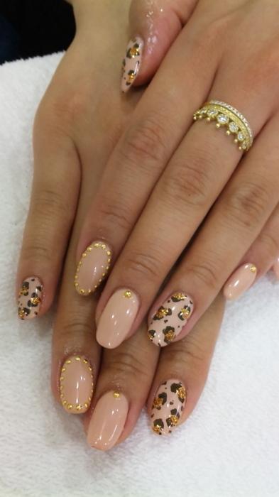leopard nail paint