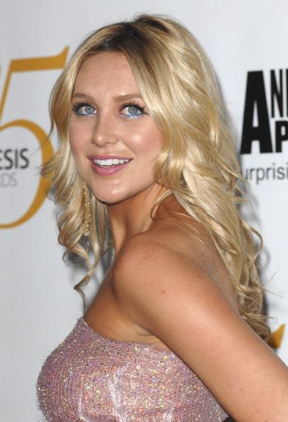 Stephanie Pratts fabulous, blonde hairstyle