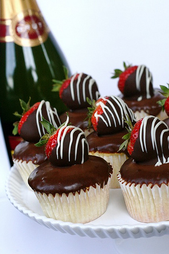 strawberry champagne cupcakes 1