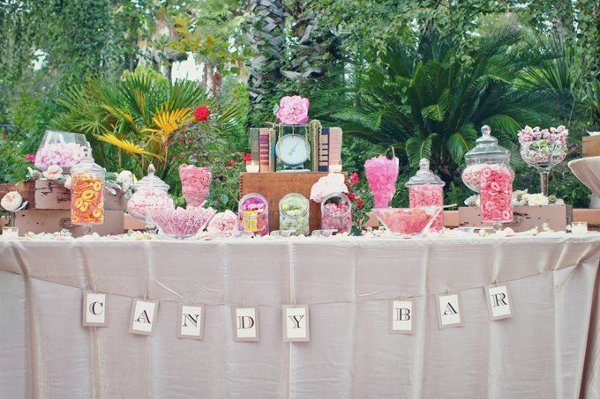 Vintage Chic Candy Bar (wedding favors)