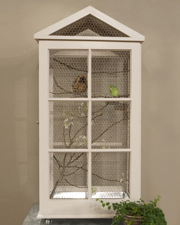 Another great way to upcycle old windows!