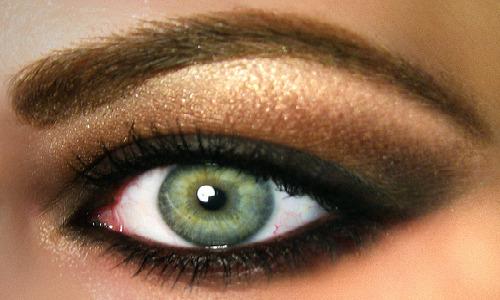 brown, green, & gold eyeshadow = gorgeous!