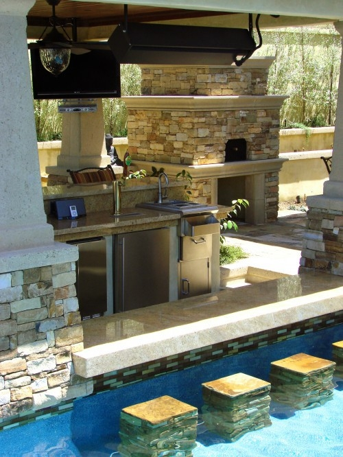 backyard swimming pool w/ water bar