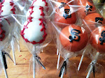 Go Giants! SF Giants cake pops.