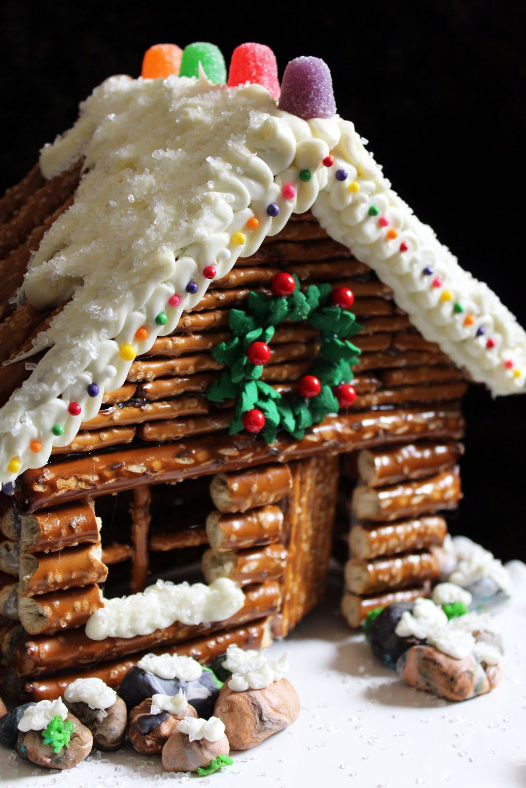 Cristmass Gingerbread and Pretzel Houses Ideas