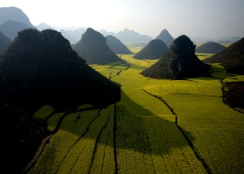 Chocolate-Hills-China[1]