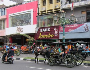 Batik stores and different modes of transport.