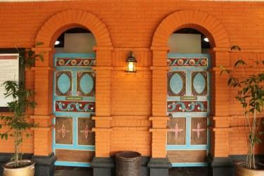 Bright doors for gentlemen and ladies