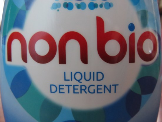 Biological or Non-Biological: Find out which is the best kind of laundry detergent for you.