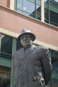 lambeau-field-green-bay-packers-vince-lombardi-building self confidence in sports