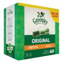 Dog teeth cleaning with GREENIES