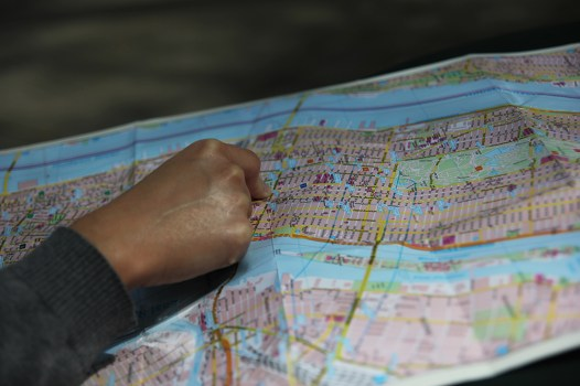 Dumanie nad mapą i łamanie kodu nowojorskiego metra