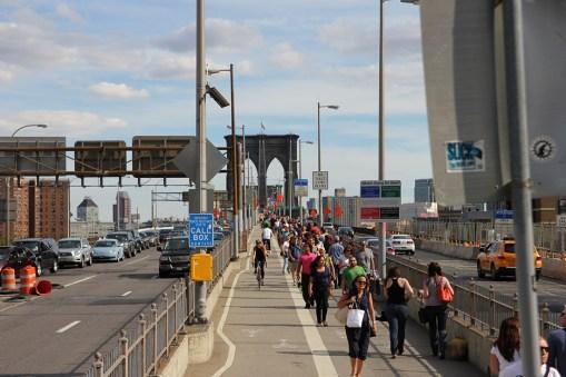 Wejście piesze na Most Brookliński