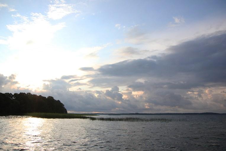Zachód słońca nad jeziorem Dargin - widok z Królewskiego Rogu